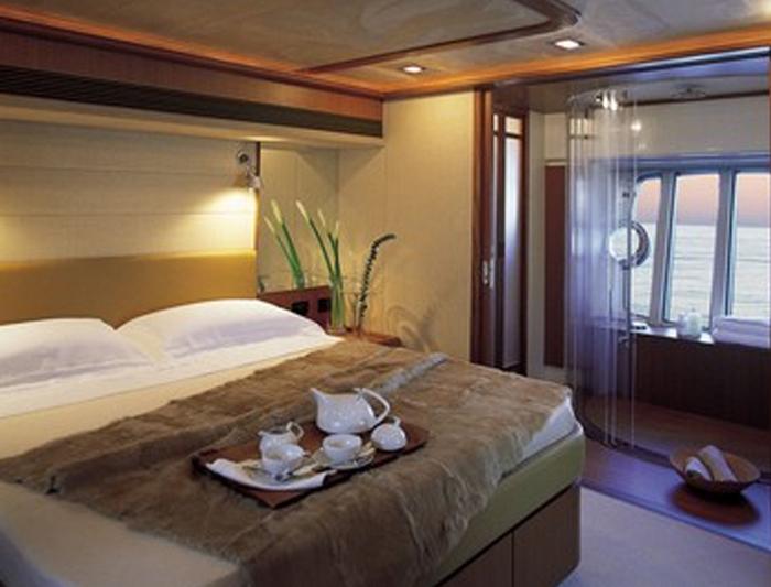 ferretti yachts 4