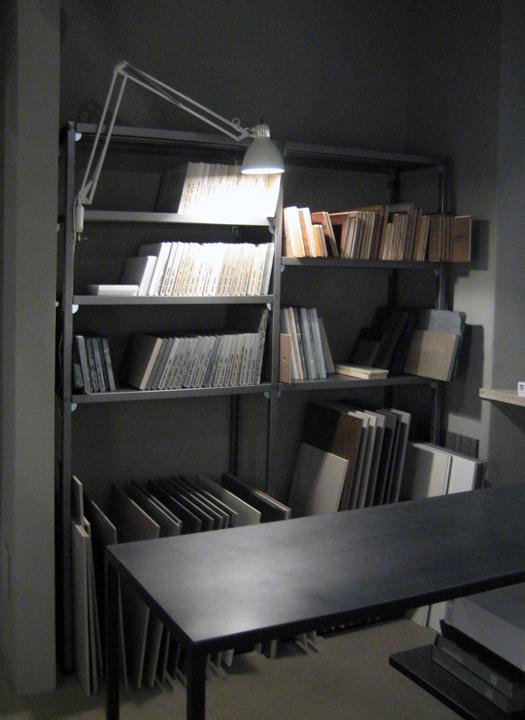 interno18 surfaces store lo studio